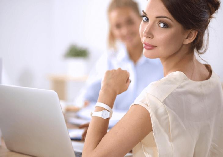 Dve ženy na pracovisku
