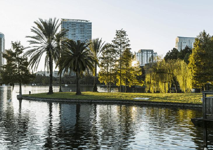 Pohľad na krajinku floridského Orlanda