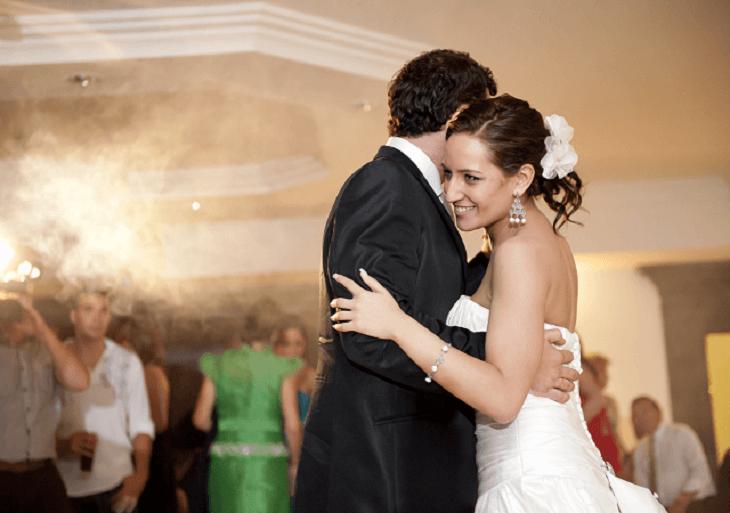 Svadobný tanec ženícha a nevesty